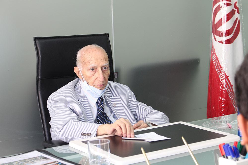 Dr. Prof. Dariush Farhud